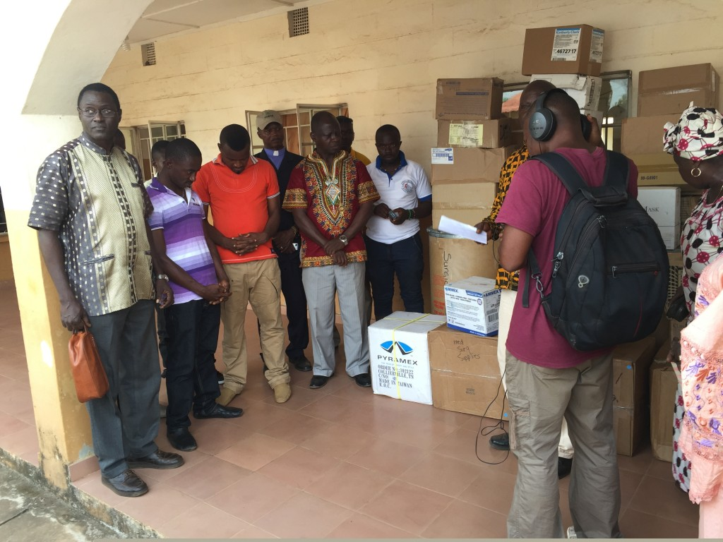 Medical team donates Medical supplies to Moyamba government Hospital (In Picture; Rev. Ashcfort, Rev. Josiah, Bishop Yambasu, Sis. Gbanga with hospital staff)